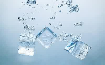 高温天猛喝冰饮更易中暑