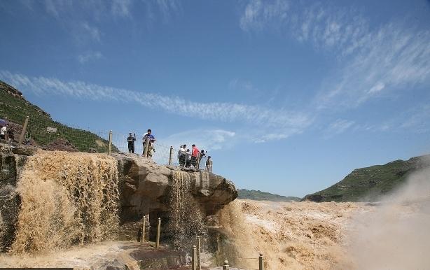 陕西防汛办发紧急通知:要求关闭壶口瀑布景区 撤离游客