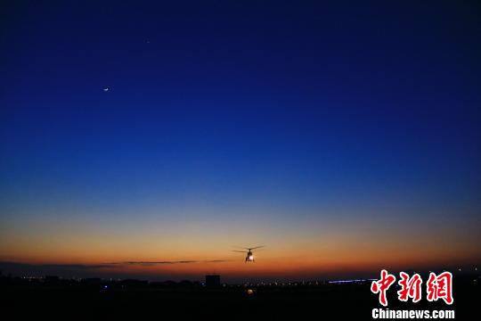 <a href='http://search.xinmin.cn/?q=海空' target='_blank' class='keywordsSearch'>海空</a>轻骑蹈浪来——东海舰队航空兵某直升机团建设纪实