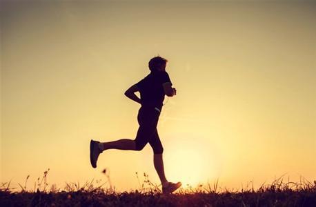 网传晚上锻炼=慢性自杀?   专家:傍晚锻炼效果最佳