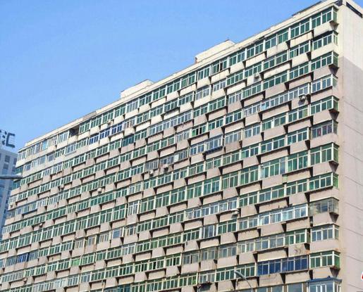 大楼现300多阳台:除了沈阳,这里也有奇葩建筑