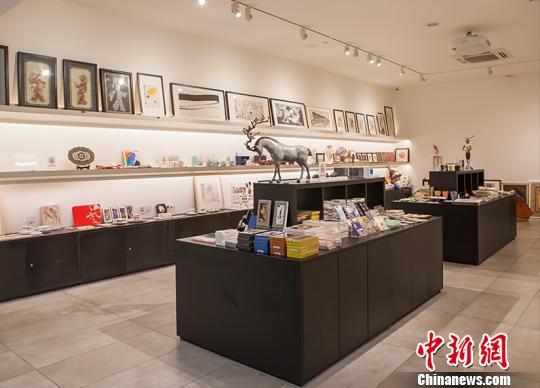 中国美术馆牵手社会力量直面文创困境