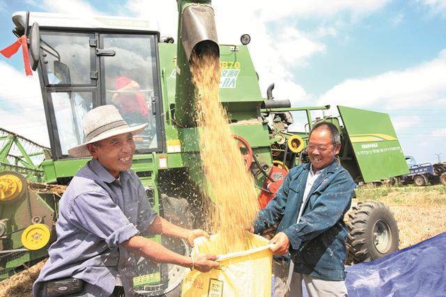 农业部长:要把农民回归职业概念  让农民成为令人羡慕的职业