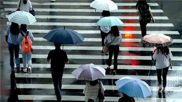 上海今升温 最高33℃ 傍晚起阴转阵雨