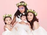 组图:贾静雯一家五口拍摄亲子照 被女儿包围温馨幸福