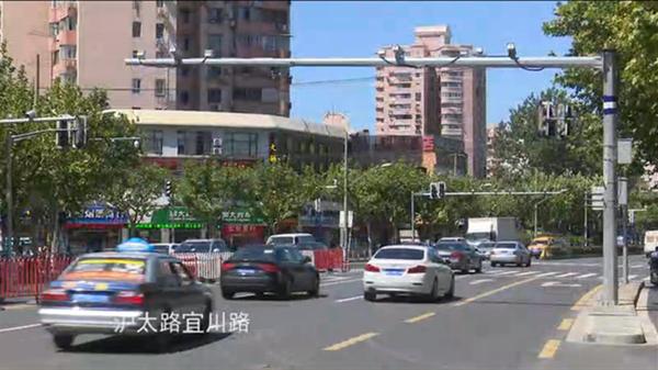 """沪太路""""九合一""""电子警察启用9天:已查获215起交通违法"""