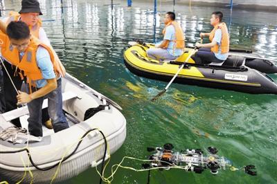 中国水下机器人大赛现场比赛举行 展现新技术