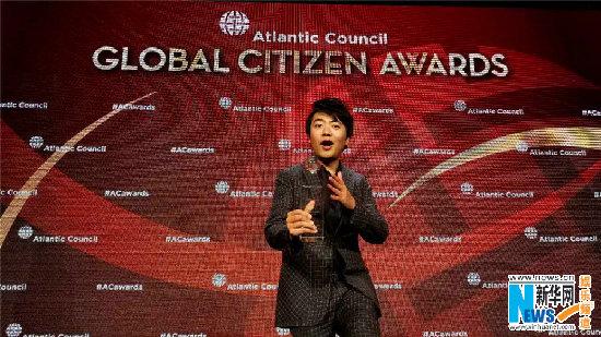 郎朗获年度全球公民奖 为教育及公益不遗余力