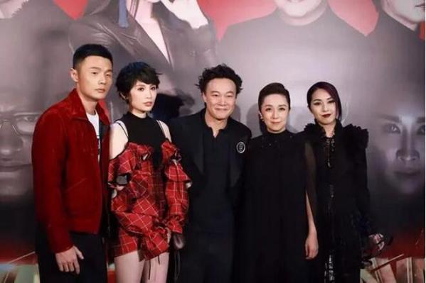 《中国新歌声》陈奕迅称助阵好友非主流 杨千嬅不服:我是仙女