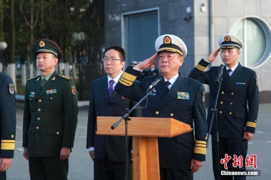 海上联合-2017联合反恐比赛:中俄陆战队员以武会友