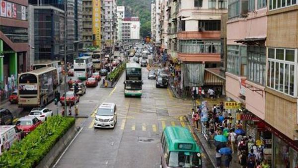 香港警方初步查明车祸原因:巴士追尾出租车撞向行人致3死