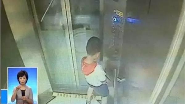 """""""尿停电梯""""男童将出院 系4代单传有7个姑姑"""