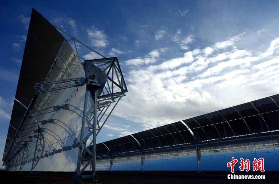 青海建成中国首座大型商业化槽式光热电站(  / 5 )
