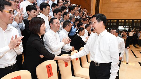 韩正会见市记协第七届理事会全体理事:上海主流媒体要坚定不移深化改革创新