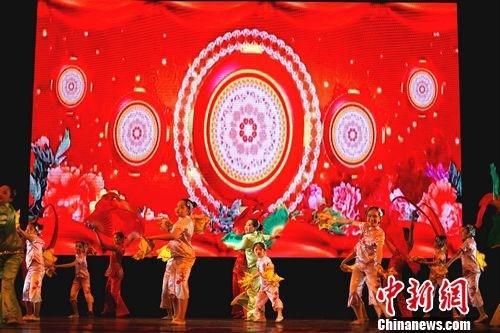 中秋国庆慰侨晚会将《文化中国》带进菲律宾