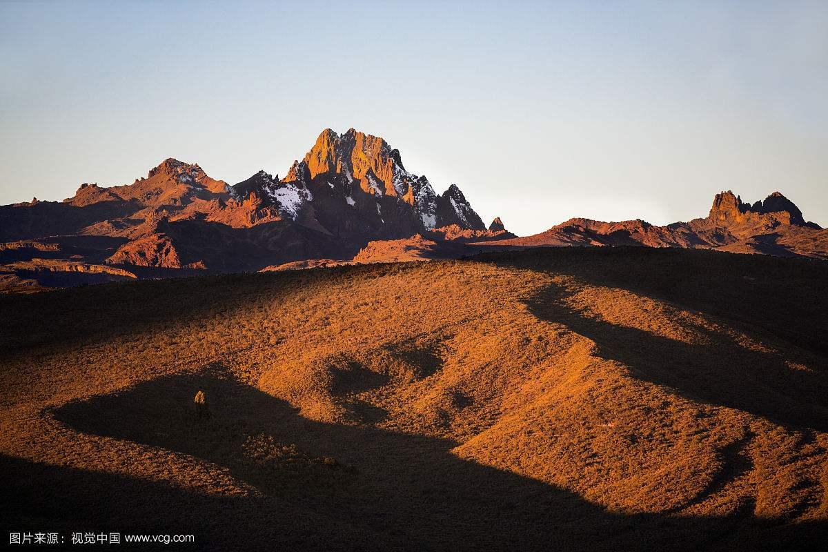 一名上海登山者在攀登肯尼亚山时遇难