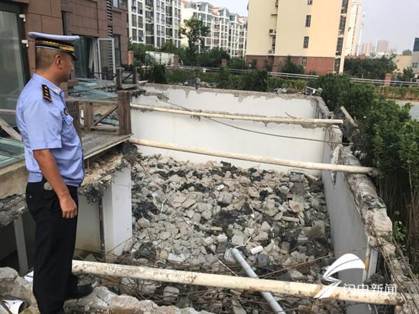 居民装修擅自开挖地下室屋顶 不仅要恢复原貌还需交罚款