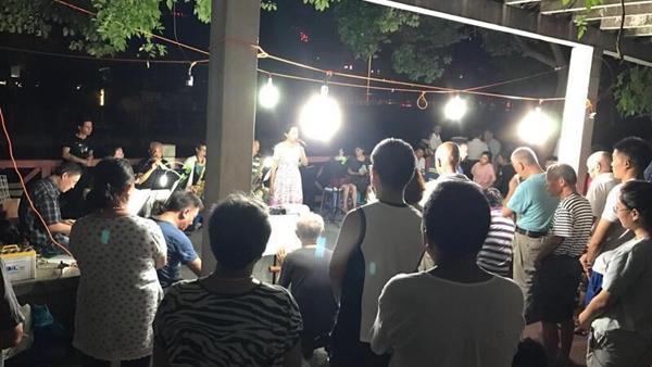 河边吹拉弹唱闹煞四邻  潍坊街道将与居民沟通