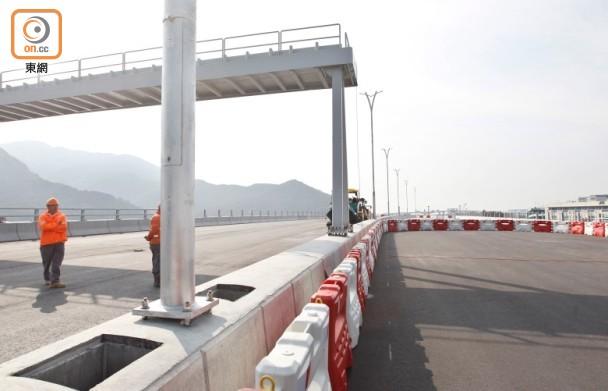 港珠澳大桥通车在望 香港小学已招珠海适龄学童