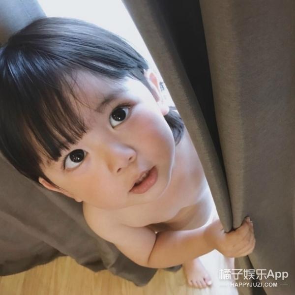 日本2岁萌娃,ins粉丝28万,长得比女孩子还可爱!