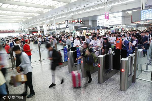 """今明两天迎来返程客流""""双高峰"""" 上海出发京沪方向车票已售完"""