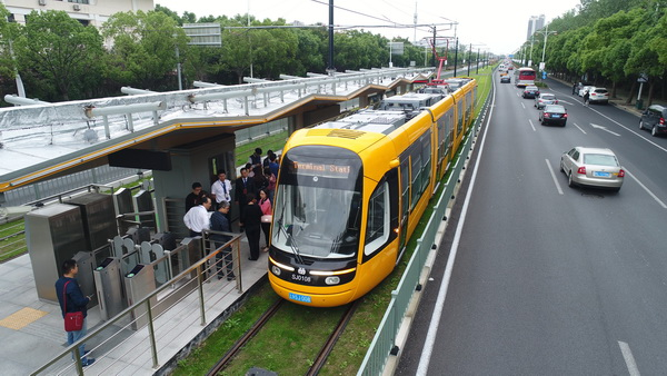 松江现代有轨电车T2线路调试