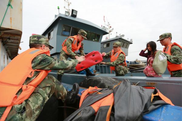 """台风""""卡努""""逼近 上海边防紧急响应"""