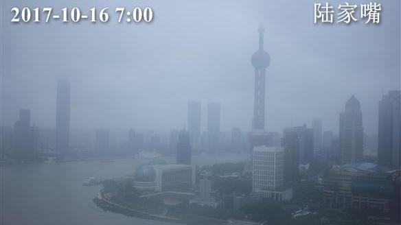 上海今最高温20℃ 暴雨大风蓝色预警仍高挂 出行注意安全