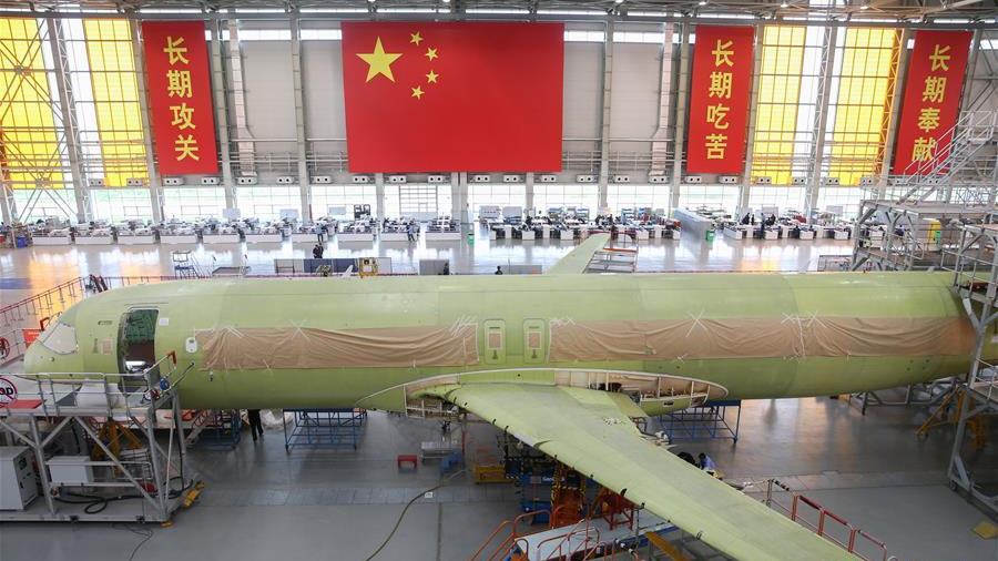 十九大时光 | C919飞机102架机测试改装团队迎来关键生产节点