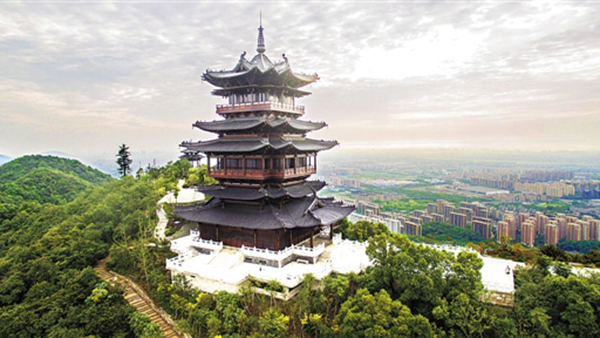 杭州城北新地标望宸阁落成 与城隍阁南北相望