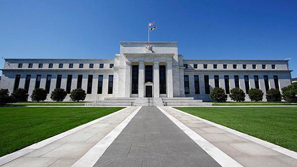 美联储维持联邦基金利率不变 12月仍存加息可能