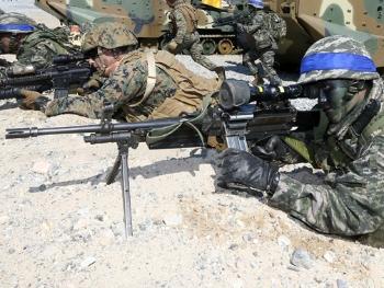 【兵器】可弹链弹匣双重供弹的韩国K3轻机枪