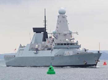 """【军情】主力战舰""""心脏病""""困扰英国海军"""