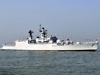 """【兵器】突然倾覆的印度""""贝特瓦""""号护卫舰"""