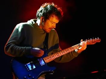 达米安·赖斯:一个人,一把吉他,迷倒一批