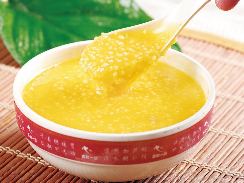 常喝小米粥的好处_每天喝小米粥好处多多_健康_新民网