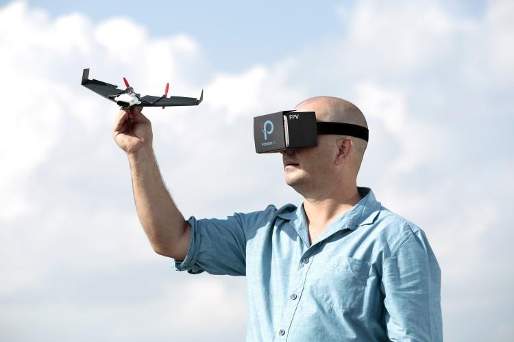 """科技新品脑洞大开 """"纸飞机""""带你遨游蓝天"""