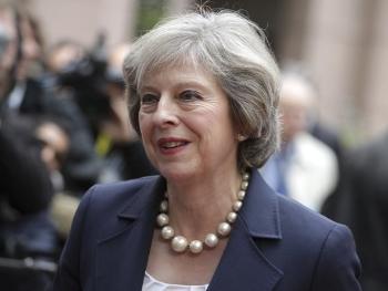 """特蕾莎梅:英国将实施""""完全脱欧"""""""