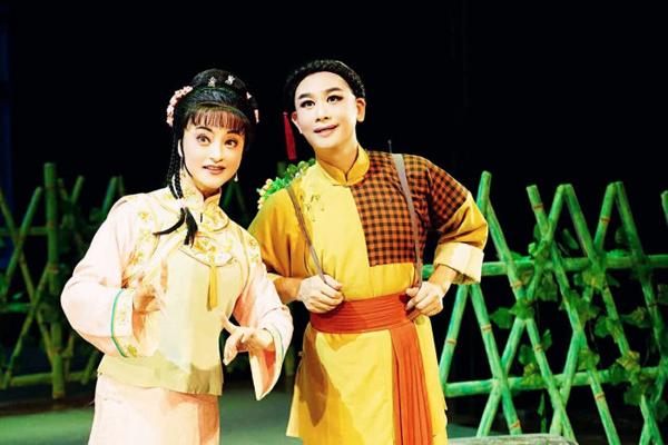 图说:《呆大烧香》讲述的是清末宁波农村青年张永林与邻家女李秀贞的